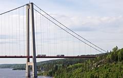 Lorries on the bridge (Franz Airiman) Tags: bridge cruise truck sweden lorry cruiseship bro scandinavia suspensionbridge norrland hgakusten lastbil birka highcoastbridge hgakustenbron kryssning highcoast birkacruises kryssningsfartyg hngbro lngtradare