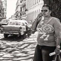 nyc in havana (Gerard Koopen) Tags: street nyc newyorkcity shadow blackandwhite bw woman sunglasses 35mm fuji candid havana cuba streetphotography tshirt streetlife fujifilm habana calling straat 2016 straatfotografie xpro1 gerardkoopen