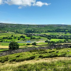 Photo of So the holiday is over so my last pic of this wonderful week is of #reeth and #fremingtonedge as we leave #swaledale #yorkshiredales #northyorkshire #nationalpark #Yorkshire #england #hibernot #visityorkshire #welcometoyorkshire #scenesofyorkshire #igersy