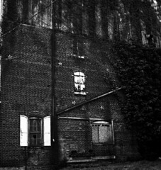 old vine covered mill, Paris KY (Nickademus42) Tags: 500cm hasselblad georgetown kentucky 6x6 square medium format 120 80mm black white film photography project podcast vines mill paris abandoned broken window