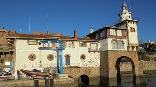Faro y Casa de Náufragos de Arriluce
