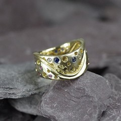 18 Carat Gold Ring With Blue Saphires (loxy681) Tags: jewellery ring necklace jewellers wedding engagement eternity