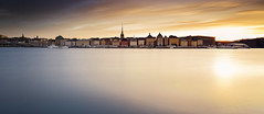 Dream of gold [Explored, 2016-05-18] (Matthias Lehnecke | www.ml-foto.se) Tags: longexposure sunset castle water reflections outside sweden stockholm explore le oldtown ferries skeppsholmen esc