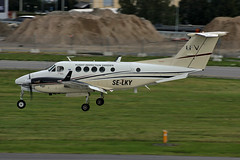 SE-LKY Beech B200C Stockholm-BMA 21/09/2015 (Tu154Dave) Tags: stockholm beechcraft raytheon bma bromma selky beech200