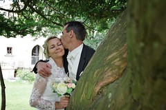 In love... (camillemasete) Tags: wedding love nature photography kiss couple mariage amoureux photographe weddingphotographer photographedemariage