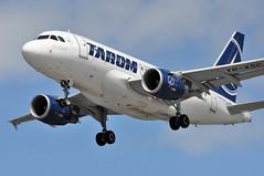 RO0391 OTP-LHR (A380spotter) Tags: landing approach arrival finals shortfinals belly airbus a318 100 yrasc henricoandaviationpioneer18861972 taromtransporturileaerieneromne rot ro ro0391 otplhr runway27r 27r london heathrow egll lhr