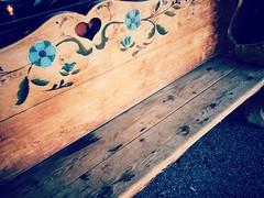 It is Monday ! (France-) Tags: wood usa bench coeur 54 banc bois leavenworth  hbm