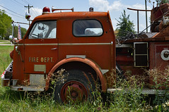 FIRE DEPT (BKHagar *Kim*) Tags: old red wheel metal truck vintage al rust peeling paint wheels alabama rusty madison vehicle fireengine firedept limestonefleamarket bkhagar burgreenrd