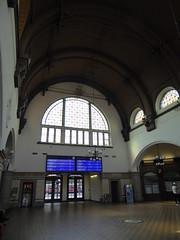 P1020670 (mjaniec) Tags: opole dworzecpkp okno window