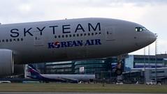 Korean Air, Boeing 777-2B5ER, HL7733 (Jan Valtr) Tags: plane airport prague dusk aircraft aviation air south korea special landing korean planes 24 aircrafts vaclav havel sout egll ruzyne prg skyteam lkpr