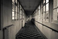 Pearl Hospital (Trescoo) Tags: abandoned canon hospital photo decay urbanexploration pearl hopital urbex abandonn dcadence abandonne explorationurbaine dsert dserte pearlhospital