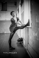L1004288 (H.M.Lentalk) Tags: life street leica city people urban white black 50mm dance jamie oz sydney australian australia dancer danse m noctilux aussie 50 asph 240 jammie f095 typ 095 noctiluxm 109550