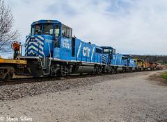 Blue baby's dead in tow. (Machme92) Tags: railroad blue sky pacific rail trains row bn missouri rails ge bnsf railroads blueskys switcher railroading emd railfanning ssw railfans geeps burligrton
