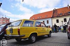 Polski Fiat 125p Kombi (Mateusz Woek) Tags: classic cars ford capri fiat citroen triumph april spitfire pontiac mustang corvette iv 19 taunus cinquecento rynek c3 125p 2015 maluch zlot 126p kwietnia pojazdw mikow samochodw zabytkowych mikoowski