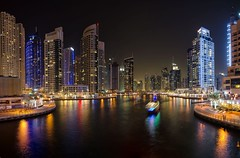 Dubai Marina Walk (mustapha_ahmad) Tags: light reflection dubai nightlight skyskapper