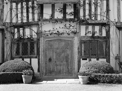 The Old Front Door (flosspot) Tags: door old blackandwhite bw house oak repetition pashleymanorgardens lynettecoates sonyhx50