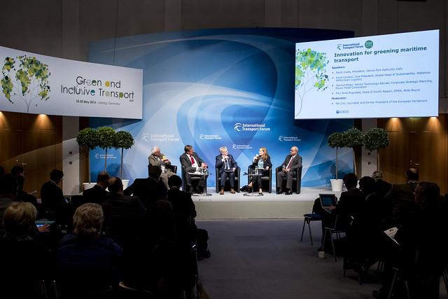 Panel discusses greening maritime transport