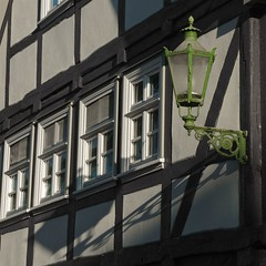 (allanimal) Tags: city architecture streetlamp fachwerk architecturalstyle stockcategories afszoomnikkor2470mmf28ged