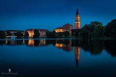 Blue Hour at Kiel City Hall (Patrick Pohlmann Outdoorfotografie) Tags: sony a77 ii alpha slt blaue stunde blue hour kiel schleswigholstein deutschland germany derechtenorden cityscape exposure blending sigma 1020 1020mm
