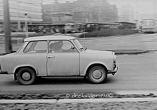 Reng deng deng, Trabant vor der Zentralhaltestelle Karl-Marx-Stadt (etwa1986)