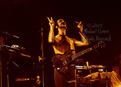 Michael Conen - [PROOF] Frank Zappa & guitar gazing upward horizontal [Frank Zappa - Louisville Gardens, Louisville KY 11-10-77] (michael conen) Tags: kentucky louisville canonae1 1977 allrightsreserved frankzappa louisvillegardens michaelconen copyright2013