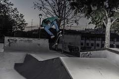 Atardeceres en el guetho (oskargaramendi) Tags: atardecer sony flash skating skate skateboard atardeceres trick sk8 instante sonya77