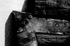 edge (Greyframe) Tags: wood blackandwhite white abstract black art monochrome metal contrast germany concrete deutschland blackwhite steel kunst sharp edge shape schwarzweiss polished kloster razor ausstellung stahl edgy waltraud kunstausstellung ochsenhausen greyframe spth fruchtkasten