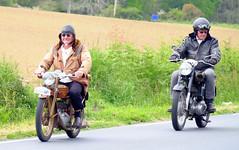 Vintage Peugeot and Royal-Enfield motorbikes (claude 22) Tags: bretagne tour 2016 abva vehicule ancien old car vintage classic classique tourdebretagne finistere motorbike motocycle motos twowheels deuxroues motorcycle motocicleta motorrad bromfiets 摩托车 オートバイ 型 葡萄酒 tdb motobecane motoconfort claude22 bike moto collection vehicules alte zweiräder motorbikes motocyclettes bikes bretagna francia bretaña breizh france geotagged véhiculesanciens véhicules associationbretonnevéhiculesanciens tourdebretagneabva peugeot royalenfield classiques claude22b claudelacourarie brittany