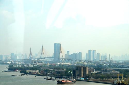 1235 Vanaf tolweg 9 over de Menam richting Bangkok