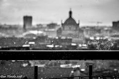 Gocce di pioggia con vista (Raindrops with view) (Gian Floridia) Tags: bw rain drops view terrace milano bn vista sanlorenzo pioggia balcone gocce bienne
