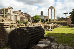 Las ruinas son un regalo (Kybenfocando) Tags: city travel italy roma landscape italia ciudad paisaje foro romano traveling viaggio viajar traveler viaggiare