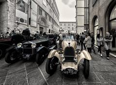 Bugatti & Alfa Romeo (R.o.b.e.r.t.o.) Tags: auto road people italy car race italia fiat outdoor pg parade chiesa sanlorenzo duomo alfaromeo riflessi perugia umbria autodepoca automobili cattedrale gara corsovannucci parata carrozzeria competizione palazzodeipriori cromature piazzaivnovembre coppadellaperugina2016 19242016