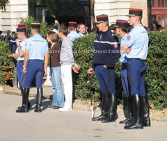bootsservice 07 9186 (bootsservice) Tags: horse paris army cheval spurs uniform boots military cavalier uniforms rider cavalry militaire weston bottes riders arme uniforme gendarme cavaliers equitation gendarmerie cavalerie uniformes eperons garde rpublicaine ridingboots