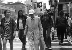 Dandy Dresser (ROSS HONG KONG) Tags: leica bw white newyork back noir manhattan streetphoto monochrom dresser blanc dandy uppereastside fashionable