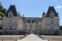 Le chteau de Villandry (Chemose) Tags: summer france castle june architecture canon eos juin 7d chteau renaissance villandry indreetloire valdeloire chteaudelaloire