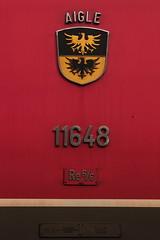 Stadtwappen - Wappen der Stadt Aigle im Kanton Waadt - Vaud an der SBB Lokomotive Re 6/6 11648 Aigle ( Hersteller SLM Nr. 5035 - BBC - SAAS - Baujahr 1975 ) am B.ahnhof O.stermundigen bei B.ern im Kanton B.ern der Schweiz (chrchr_75) Tags: chriguhurnibluemailch christoph hurni schweiz suisse switzerland svizzera suissa swiss chrchr chrchr75 chrigu chriughurni märz 2015 chriguhurni albumbahnenderschweiz albumbahnenderschweiz201516 schweizer bahnen eisenbahn bahn train treno zug albumzzz201503märz albumsbbre66lokomotive re66 re620 re 66 620 schweizerische bundesbahn bundesbahnen lokomotive lok sbb cff ffs slm juna zoug trainen tog tren поезд паровоз locomotora lokomotiv locomotief locomotiva locomotive railway rautatie chemin de fer ferrovia 鉄道 spoorweg железнодорожный centralstation ferroviaria