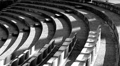 Anfiteatro (AngelaRosaria) Tags: bw bn curve viaggio lagodigarda gabrieledannunzio gardoneriviera vittorialedegliitaliani