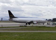 C-FLDX_737-408_CYXX_8870 (Mike Head -Jetwashphotos) Tags: bc britishcolumbia boeing charter 737 abbotsford f9 fle fraservalley 737400 yxx westernregion cyxx abbotsfordairport pacificregion flairairlines 737408 canadawesterncanada