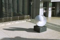 Sculpture - La Défense (5683) (cfalguiere) Tags: modernart hautsdeseine iledefrance sculpture ladéfense extérieur france placedesreflets tourcgi quartierreflets esplanadenord datepub2015q103