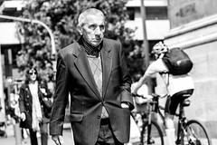 Santiago de Chile. 2015 (pablocomplicado) Tags: chile santiago people blackandwhite byn blancoynegro candid streetphotography streetlife bnw streetpeople streetshot streetbnw