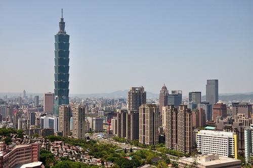 象山環狀步道欣賞台北101及豪宅區