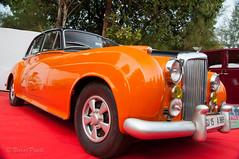 Bentley !!.jpg (NP Photo2010) Tags: india cars colors vintage iso200 nikon asia shape classiccars bentley gujarat vadodara 2015 d90 manualexposure westernindia 1801050mmf3556