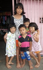 brothers and sisters (the foreign photographer - ) Tags: sisters portraits thailand brothers bangkok sony lard bang bua khlong bangkhen rx100 phrao dscnov282015sony