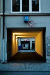 20.05: Inner yard (Gulius Caesar) Tags: road sign yard canon munich eos rebel evening inner t2i