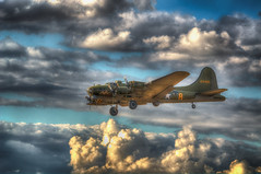 Sally B on Finals (nigdawphotography) Tags: fly flying landing b17 land ww2 bomber usaf sallyb memphisbelle