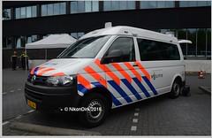 Dutch Police Command Unit. (NikonDirk) Tags: holland netherlands dutch mobile vw volkswagen office foto cops accident nederland police cop t5 van command twente gp transporter unit oost politie touran hulpverlening t5gp nikondirk 9zns21 7zsl84