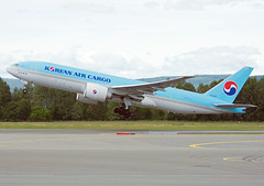 HL8285 (Skidmarks_1) Tags: norway airport aircraft aviation cargo airliners osl freighter boeing777 engm koreanaircargo oslogardermoenairport hl8285