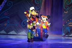 Mickey Mouse & Goofy - Disney On Ice Frozen (DDB Photography) Tags: show anna ice goofy mouse photography olaf frozen duck photographer hans feld disney mickey skate figure mickeymouse characters minnie minniemouse sven donaldduck elsa ddb waltdisney iceshow kristoff disneyonice disneycharacters figureskate disneypictures disneyphoto feldentertainment ddbphotography elsathesnowqueen disneyonicefrozen