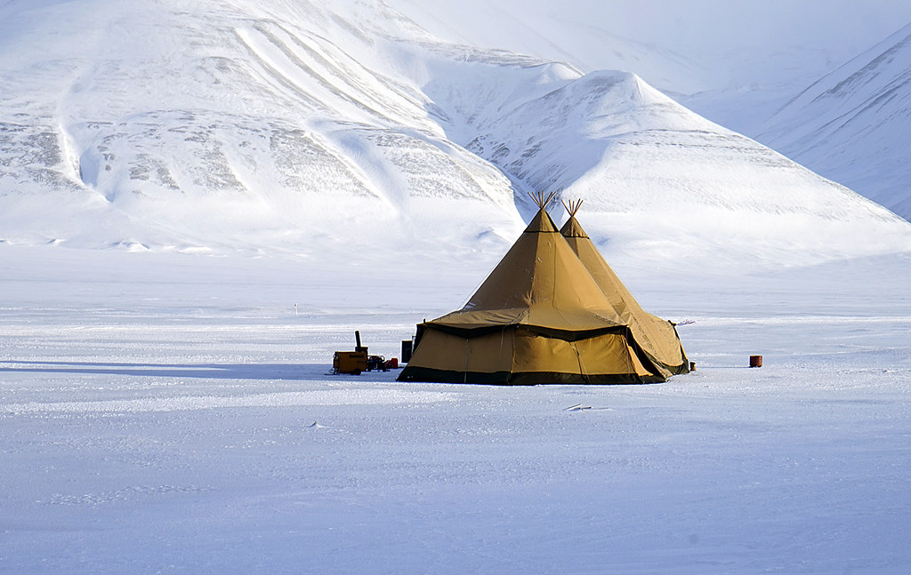 Sami Tents (NYC Comets) Tags norway tent svalbard spitsbergen adventdalen sami lavvu & The Worldu0027s Best Photos of sami and tent - Flickr Hive Mind