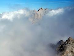 Torre Cerredo (ferpar57) Tags: europa niebla picos motaña torrecerredo fernandopalacios1